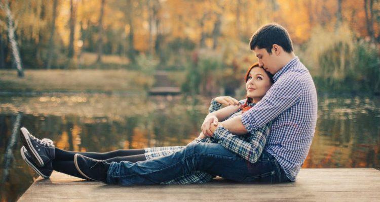 rsz_couple_by_lake-750x400
