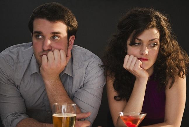 Πρέπει να είσαι φίλος με κάποιον πριν βγεις ραντεβού